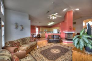 2216 Summer Ray Drive NW, Albuquerque, NM 87120