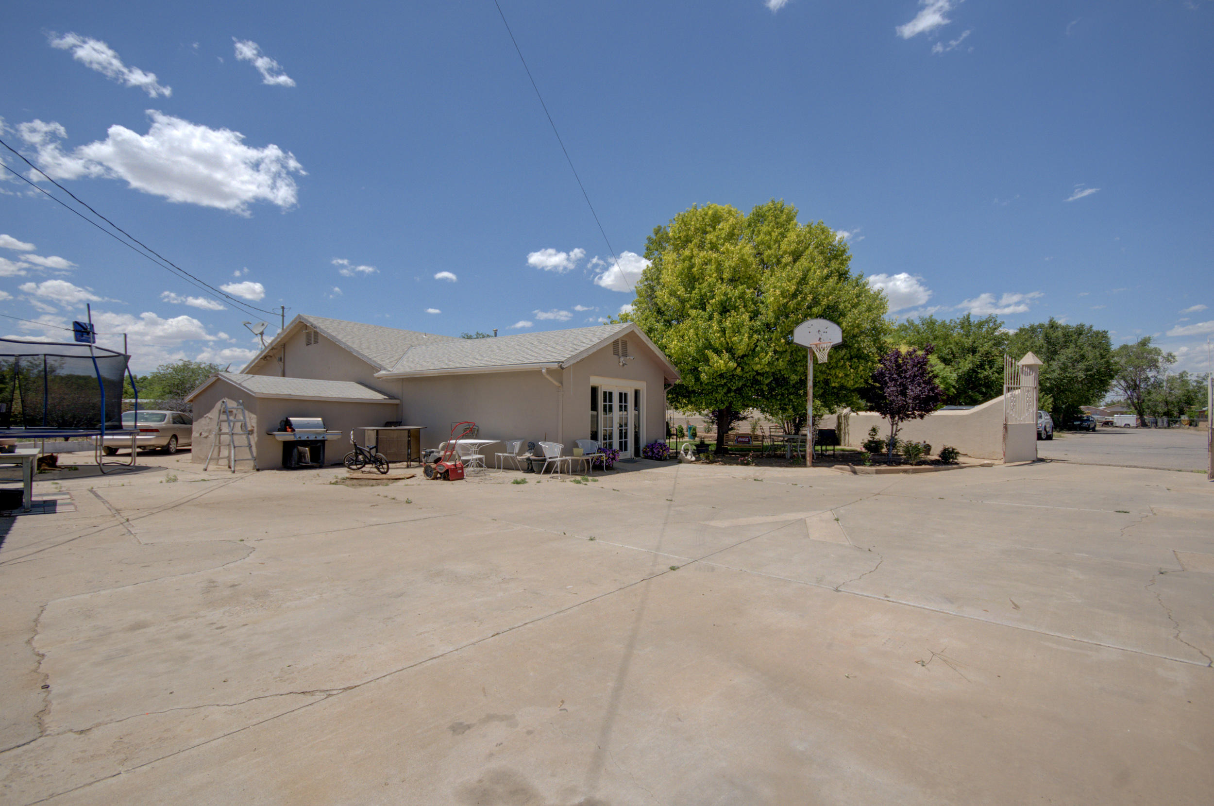 6317 Camino Ocho Road, Albuquerque NM 87105
