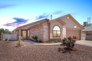 7705 Santa Catarina Court NW, Albuquerque, NM 87120