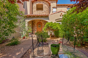 Property for sale at 8909 Oakland Court NE, Albuquerque,  NM 87122