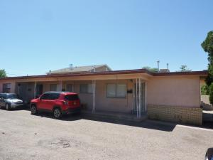 1034 Palomas Drive SE, Albuquerque, NM 87108