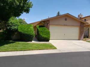 10709 Lagrange Park Drive NE, Albuquerque, NM 87123