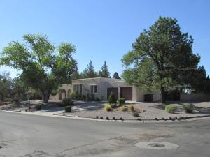 5334 Ironwood Drive NW, Albuquerque, NM 87114