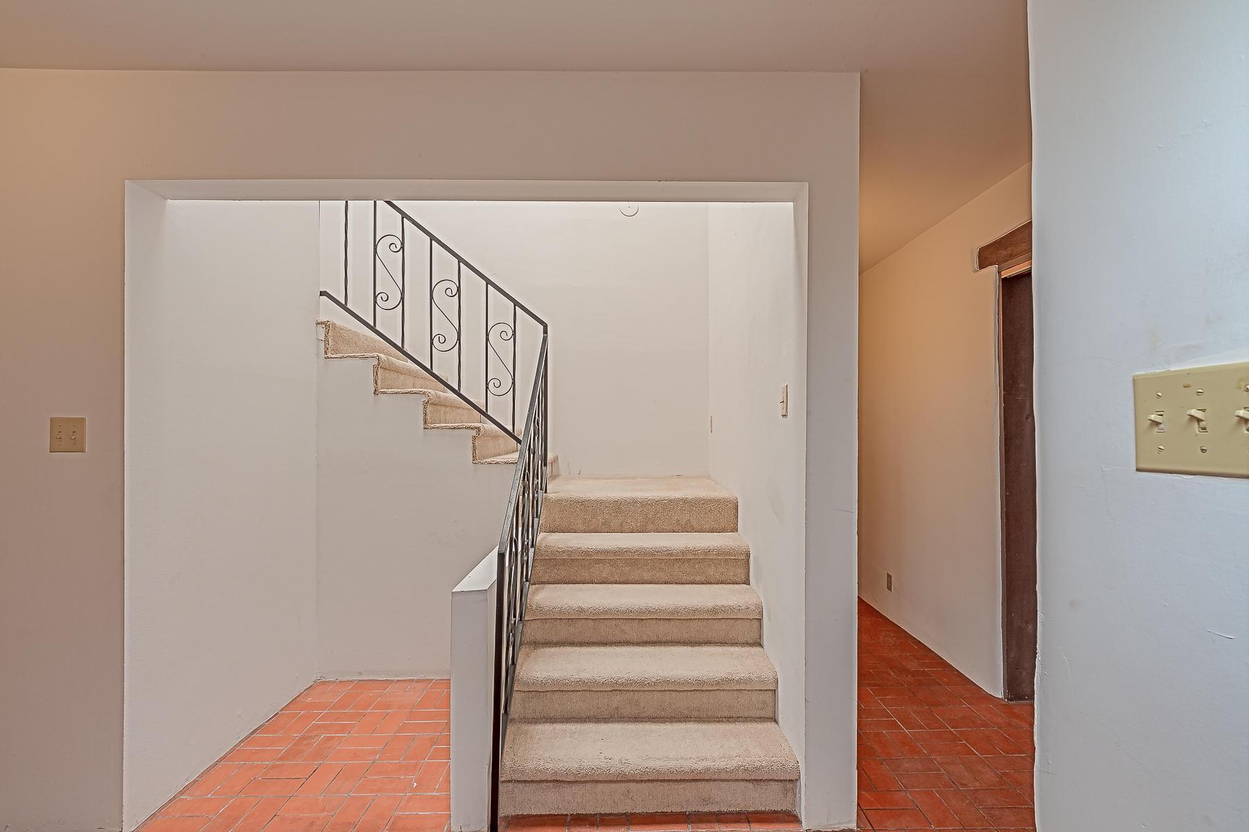 1010 Casa Del Sol Lane-30