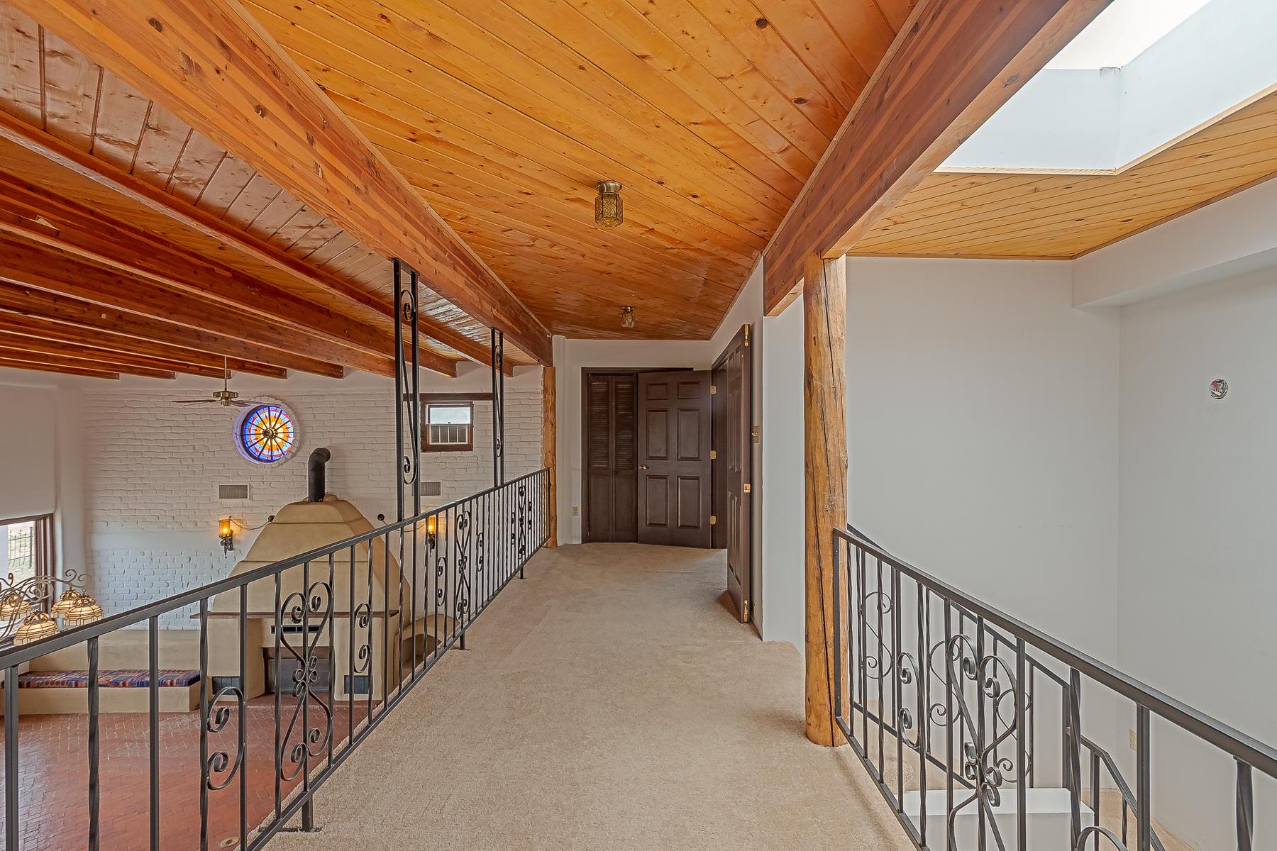 1010 Casa Del Sol Lane-34
