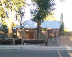 322 Morningside Drive SE, Albuquerque, NM 87108