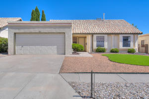 7315 Elderwood Drive NW, Albuquerque, NM 87120