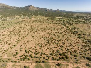 50 Ocho Rios, Edgewood, NM 87015