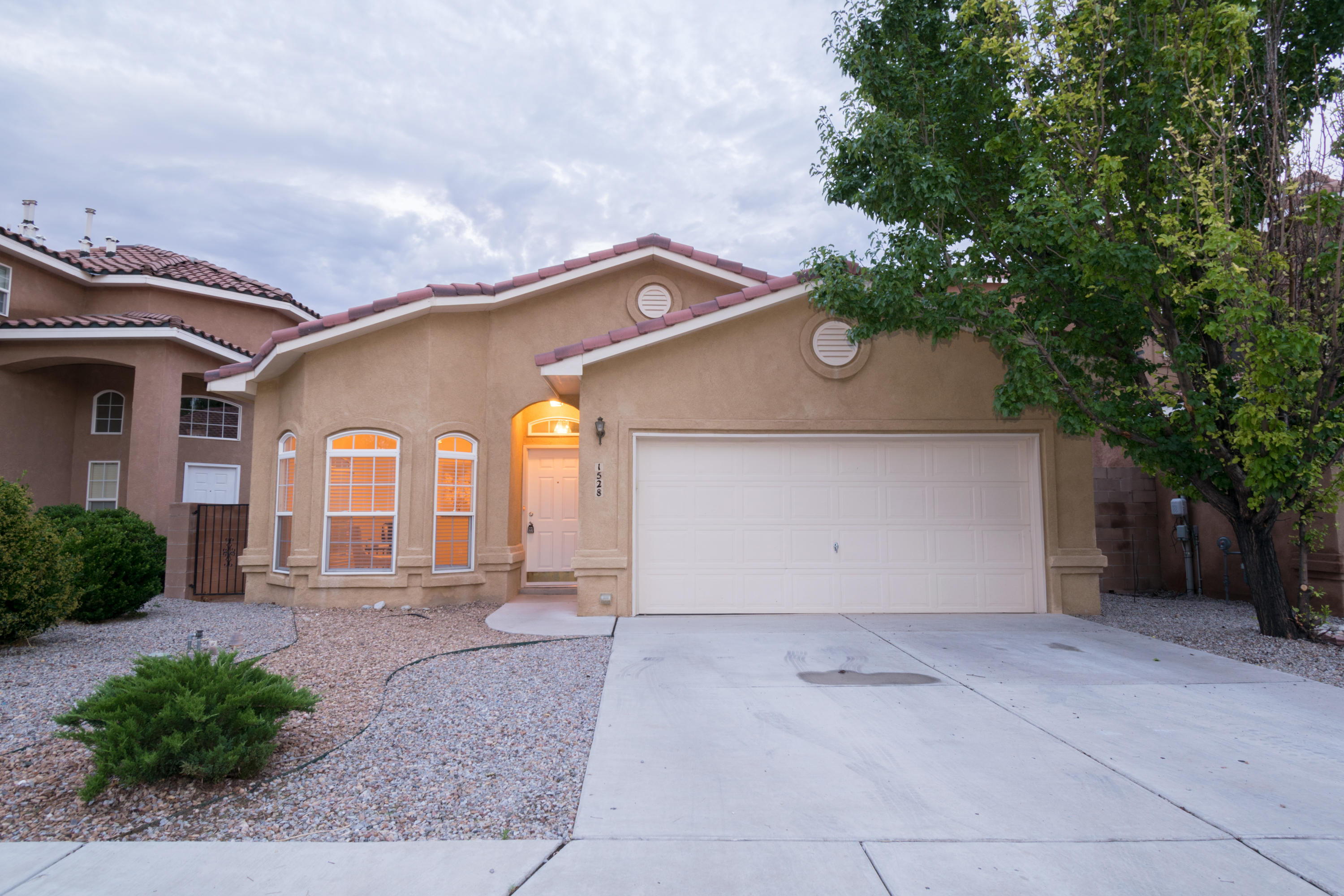 1528 Rosewood Avenue, Albuquerque NM 87120