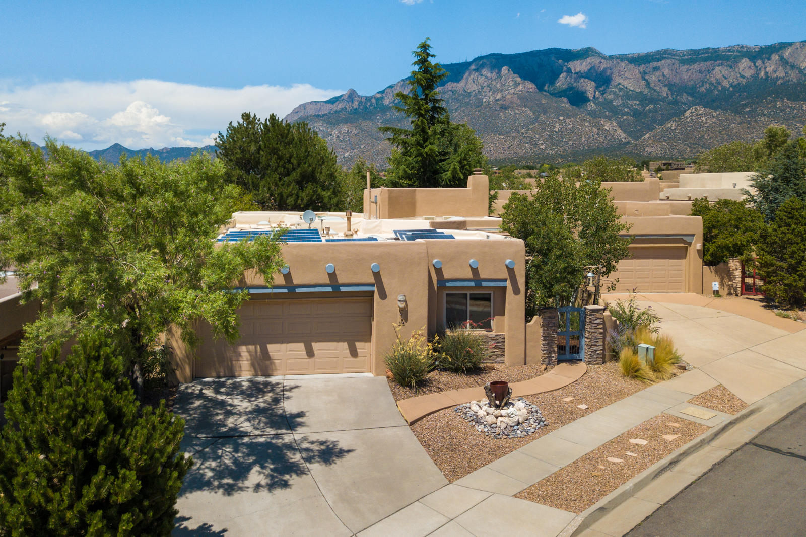 13209 Morning Mist Avenue, Albuquerque NM 87111