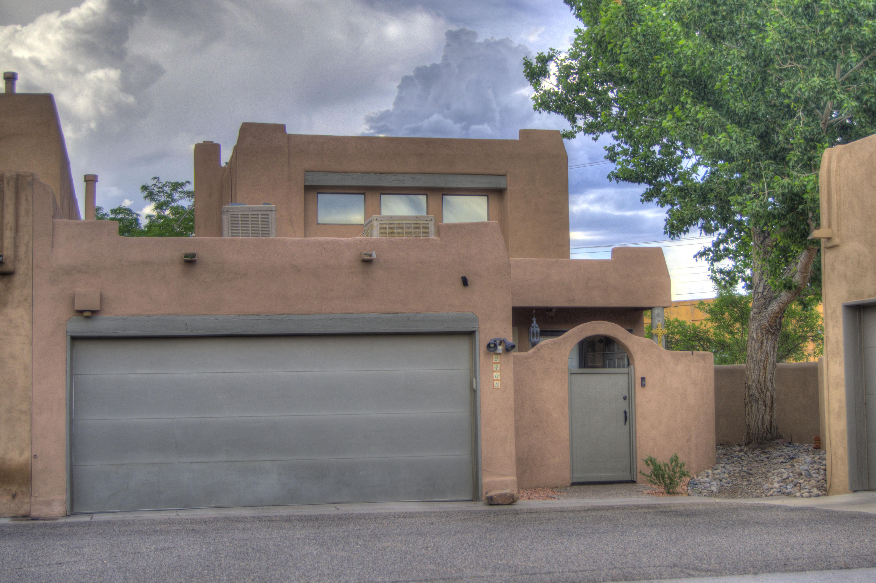 2403 northwest Circle, Albuquerque NM 87104