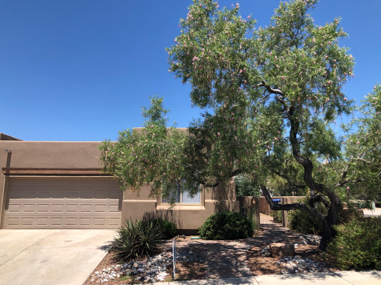 8927 Desert Fox Way, Albuquerque NM 87122