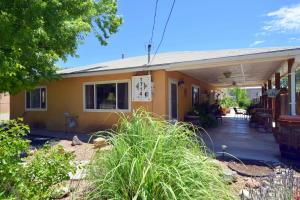 1714 Gabaldon Road NW, Albuquerque, NM 87104