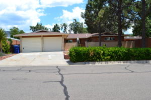 1512 Eastridge Court NE, Albuquerque, NM 87112