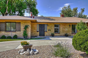 4200 Mackland Avenue NE, Albuquerque, NM 87110