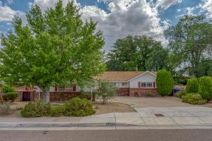 3105 Lykes Drive NE, Albuquerque, NM 87110
