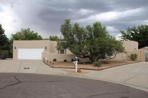 5908 Chamisa Court NW, Albuquerque, NM 87120