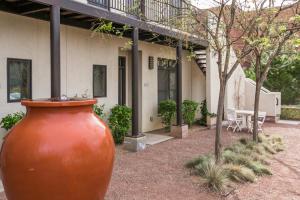 302 Bel Vedere Lane, # 302, Albuquerque, NM 87102