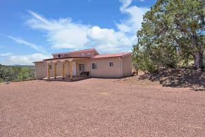 54 Derek Road, Sandia Park, NM 87047
