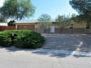 2109 Forest Trail Road SE, Rio Rancho, NM 87124