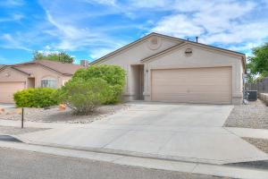 8216 Feathertop Road SW, Albuquerque, NM 87121