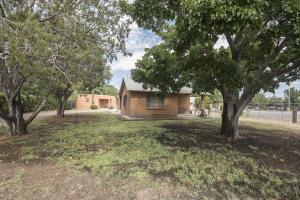 2215 Isleta Boulevard SW, Albuquerque, NM 87105