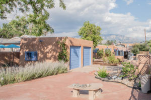 25 Leal Lane, Corrales, NM 87048