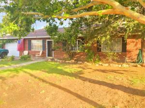 5802 Hannett Avenue NE, Albuquerque, NM 87110