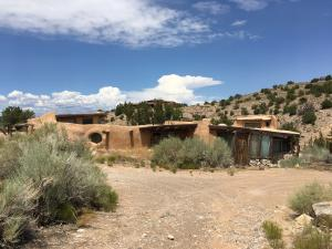 95 Homesteads Road, Placitas, NM 87043