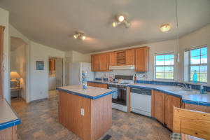 10 Griffin Road, Moriarty, NM 87035