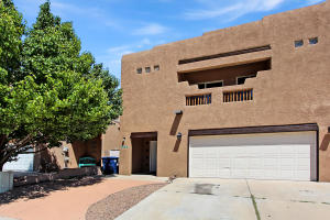 5227 Sugarbear Court NW, Albuquerque, NM 87120