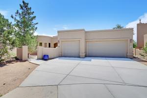 5701 Valerian Place NE, Albuquerque, NM 87111