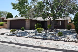 7808 Calle De Plata NE, Albuquerque, NM 87109