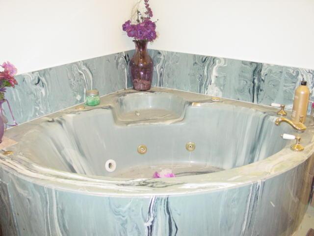 Tub in Master Bath