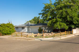 3921 Goodrich Avenue NE, Albuquerque, NM 87110