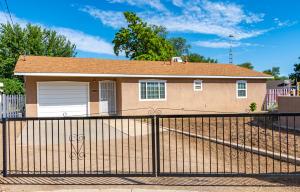 200 Campbell Avenue, Belen, NM 87002
