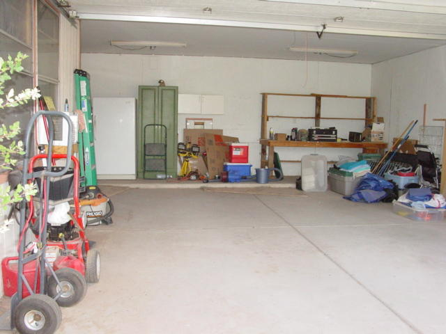 Very Roomy Garage