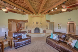 106 Richard Road, Corrales, NM 87048