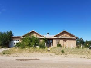 201 S Ripley Avenue, Mountainair, NM 87036