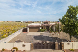 1881 17th Avenue SE, Rio Rancho, NM 87124