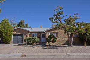 2838 Valencia Drive NE, Albuquerque, NM 87110