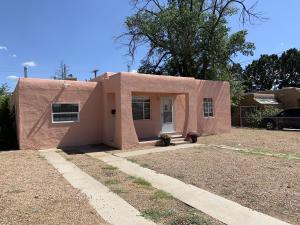 2620 Sierra Drive NE, Albuquerque, NM 87110