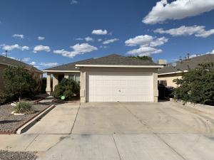 8915 Via Del Oro Avenue SW, Albuquerque, NM 87121