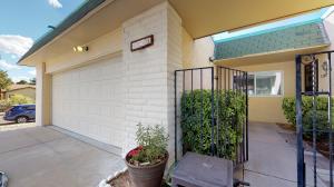 1201 Kirby Street NE, Albuquerque, NM 87112