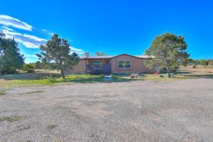 64 Bearcat Road, Tijeras, NM 87059