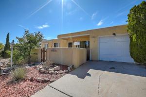 1705 Vassar Drive SE, Albuquerque, NM 87106
