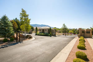11601 Zinfandel Lane NE, Albuquerque, NM 87111