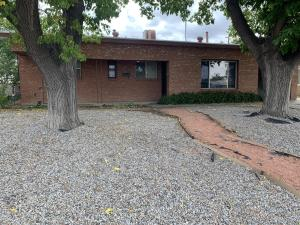 2708 MARY ELLEN Street NE, Albuquerque, NM 87112