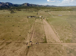 39 Moonbeam Ranch Road, Edgewood, NM 87015