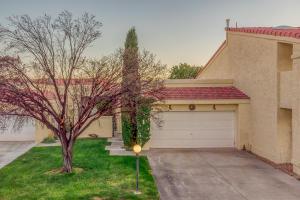 522 EASTLAKE Drive SE, Rio Rancho, NM 87124